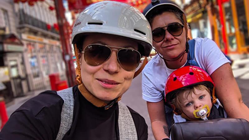 At være den anden mor til et donorbarn. Her ses Lisa med sin kone og deres fælles søn