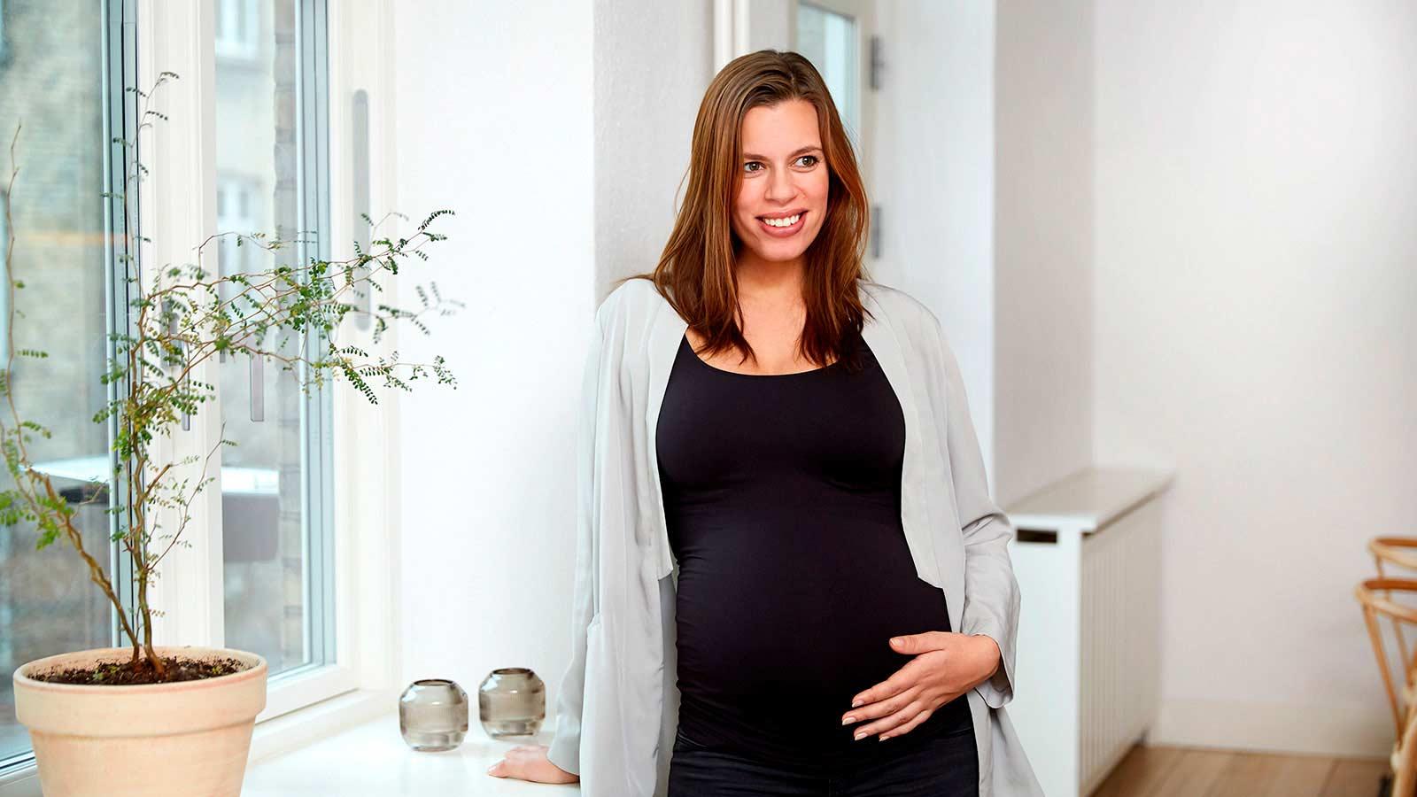 Mujer embarazada que ha recurrido a esperma de donante para hacer realidad su sueño de tener un hijo