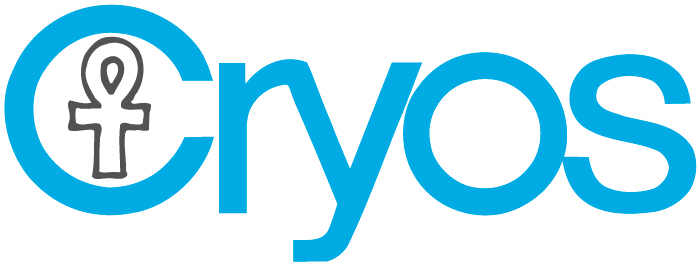 Le logo de Cryos en bleu sur fond blanc – Photo du dossier de presse de Cryos.