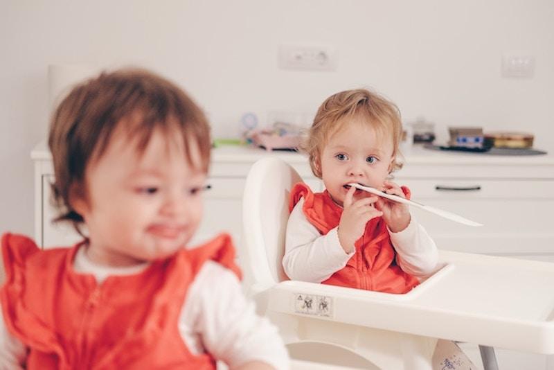 Een vruchtbaarheidsbehandelingkan de kans vergroten op een twee-eiige tweeling