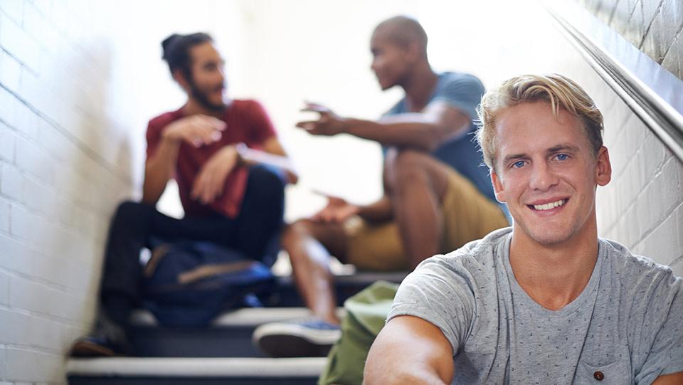 Doadores de esperma da Cryos motivados a ajudar outras pessoas – encontre doadores cuidadosamente selecionados, com diferentes etnias, na Cryos