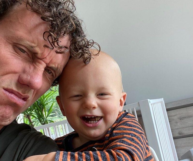 一位父亲和他通过捐献者助力孕育的儿子